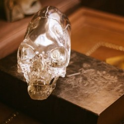 Кристалният череп